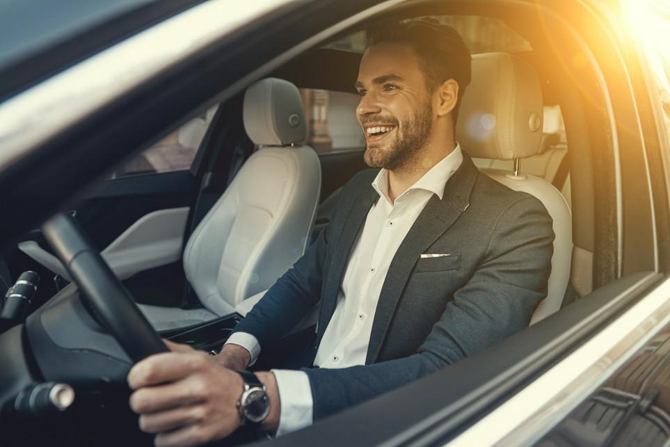 Fahrten zu Kunden können teils von der Steuer abgesetzt werden.