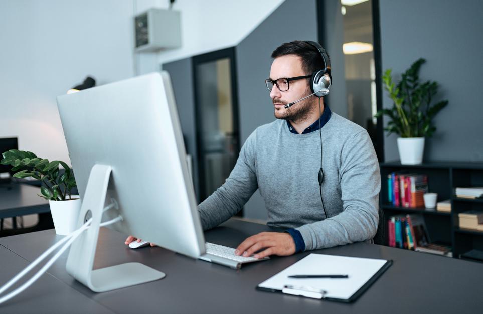 Arbeitnehmer können den Computer, den sie für ihr Home Office brauchen, steuerlich geltend machen.