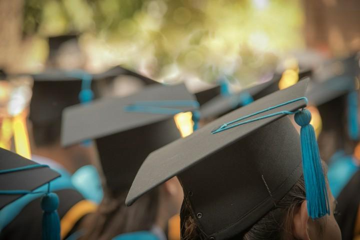 Promotion: Doktorarbeit schreiben und Steuern sparen