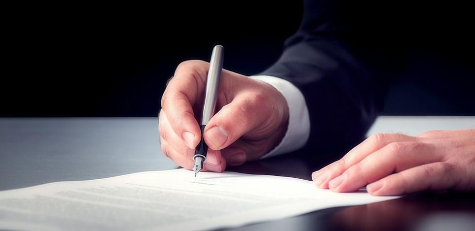 Für Pflichtveranlagte gilt bei der Steuererklärung eine klare Frist - Finanzbeamte haben hingegen keine feste Bearbeitungsfrist.