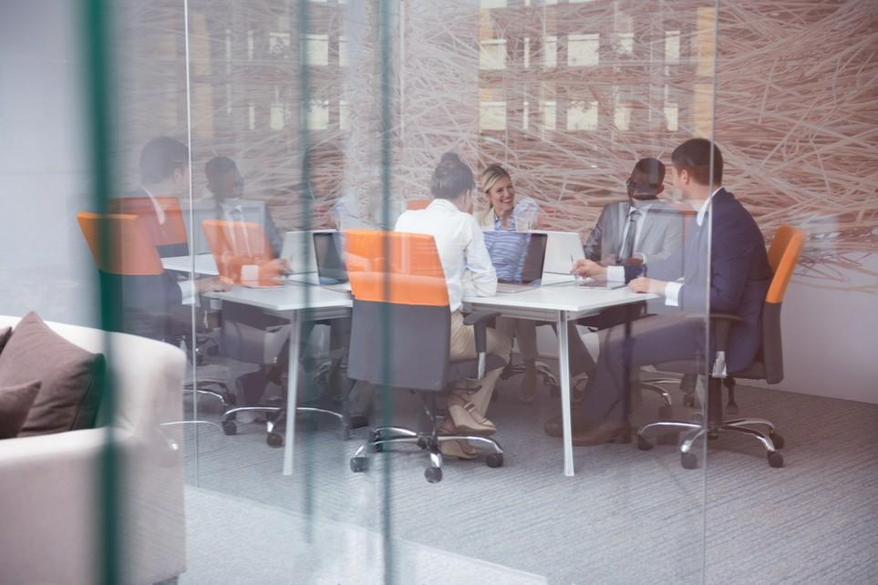 Personen in einem Meeting