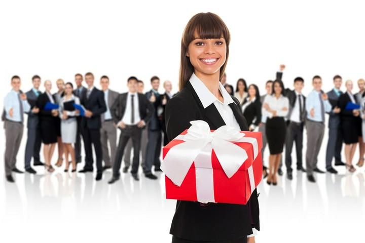 Geschenk vom Chef: Wenn der Arbeitgeber spendabel ist