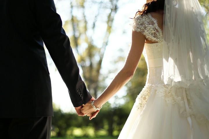 Spartipps für Eheleute - So bleibt am Ende des Monats mehr übrig