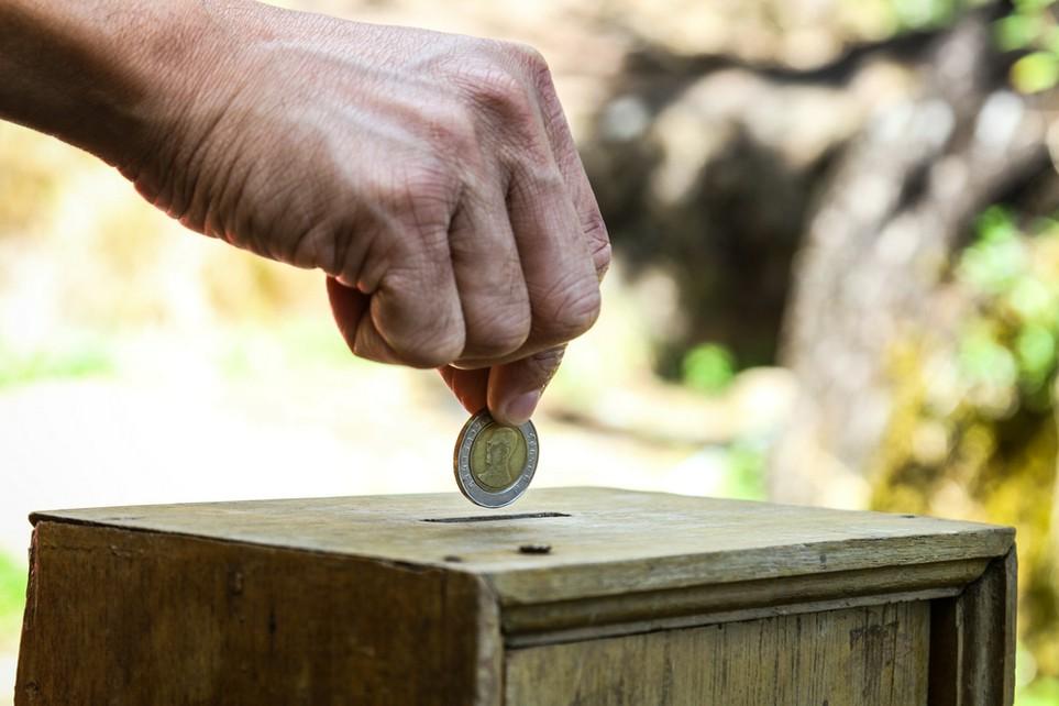 Spenden an Parteien und gemeinnützige Organisationen lassen sich von der Steuer absetzen.