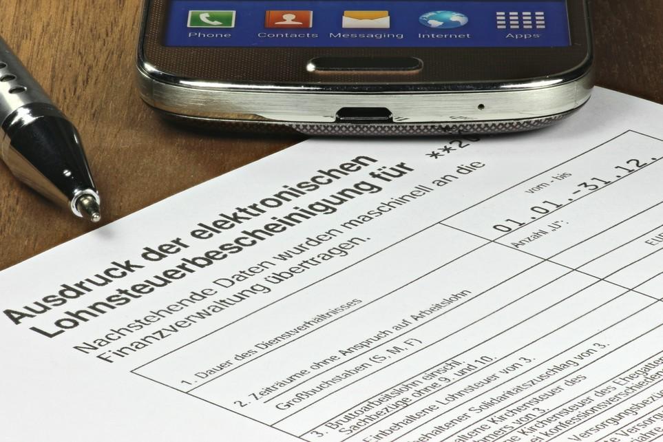 Deine Lohnsteuerbescheinigung für vergangenes Jahr wird Dir bis spätestens Ende Februar zugestellt.